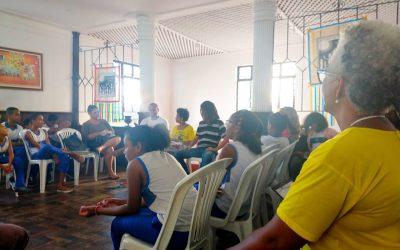 """UMA TARDE NO ALTO DAS POMBAS COM A ATIVIDADE """"BIBLIOTECAS VIVAS: O TECER DAS YABÁS, LÉLIAS E CAROLINAS NA LITERATURA AFRO-BRASILEIRA"""""""