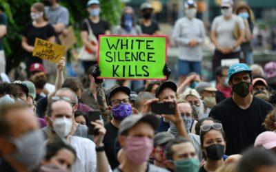 Entre o silêncio do opressor e as ações do antirracista