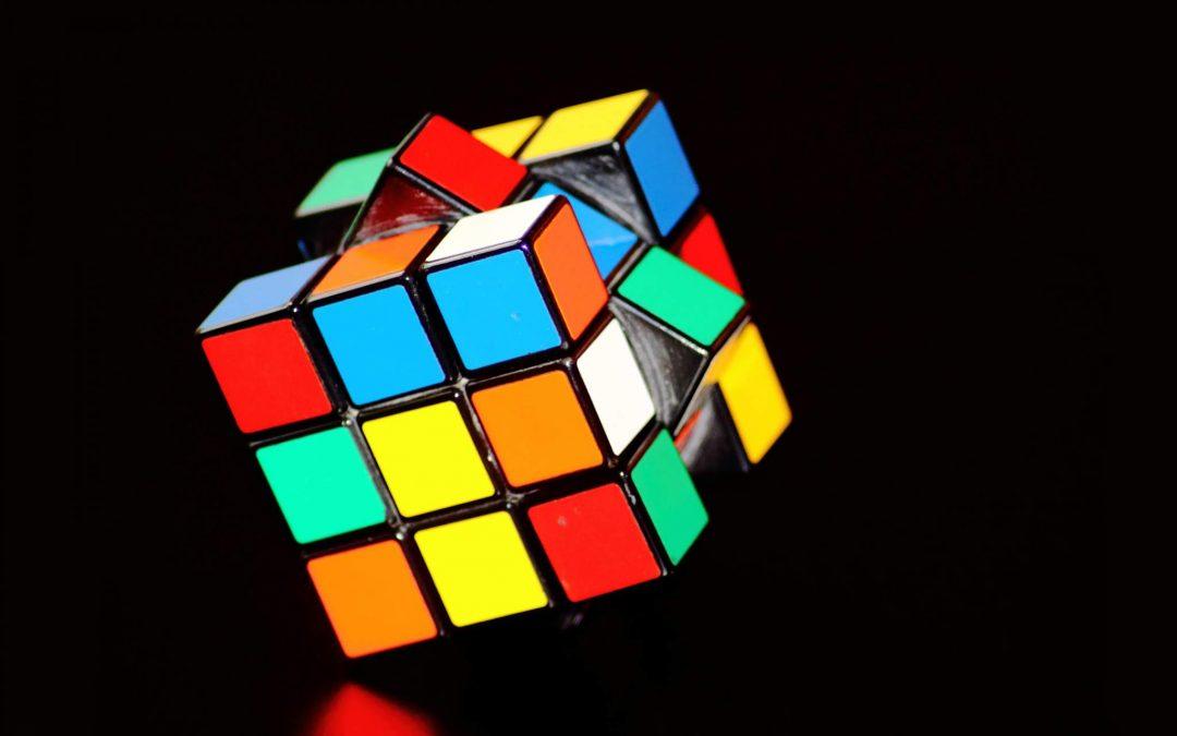 Estimulando a imaginação: a vida é um cubo mágico
