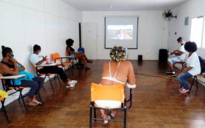 Mostra de Cinemas Negros MIMB emociona participantes do programa Corra pro Abraço