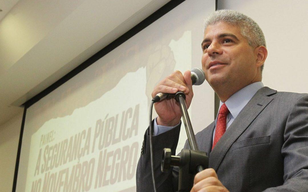 Secretário de Segurança Pública da Bahia é afastado por suspeita de participar de esquema criminoso