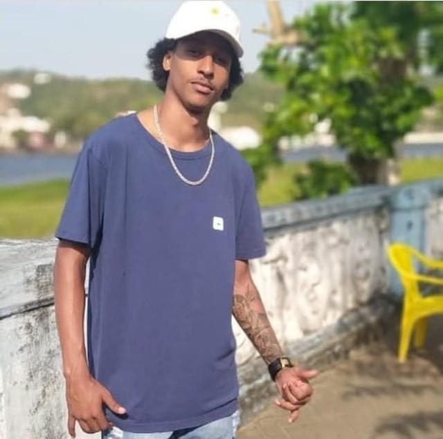 Jovem negro assassinado pela polícia, em São Félix – Ba, gera protestos e revolta nos últimos dois dias na cidade