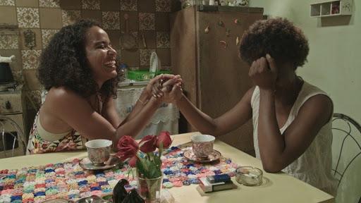Assistindo filmes negros com minha mãe na quarentena