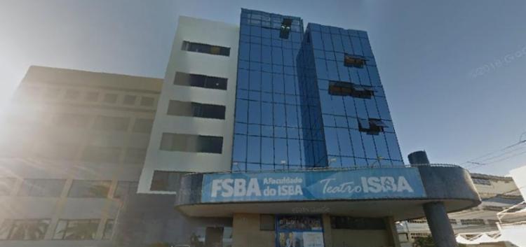 Estudantes da UNISBA se mobilizam após faculdade suspender as atividades de graduação